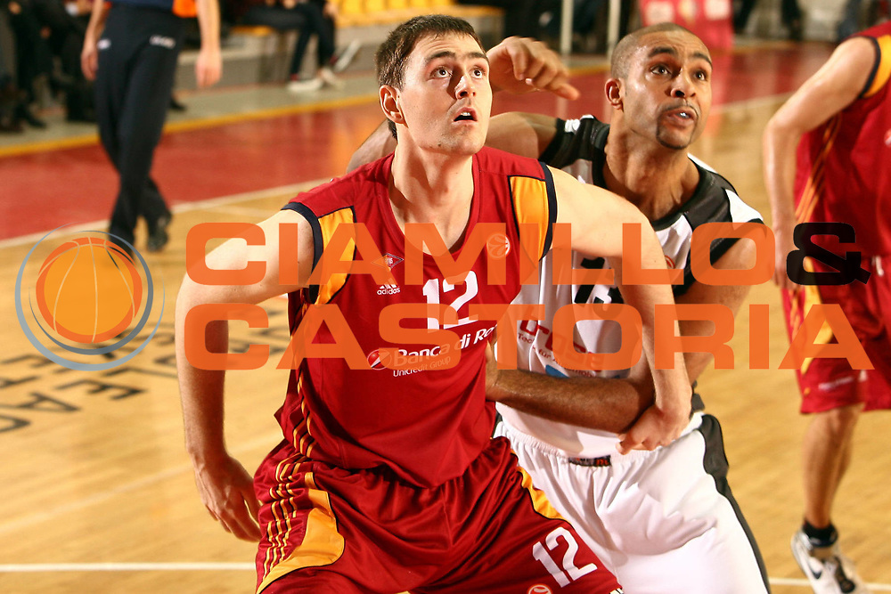 DESCRIZIONE : Roma Eurolega 2007-08 Lottomatica Virtus Roma Brose Baskets Bamberg<br /> GIOCATORE : Erazem Lorbek Ademola Okulaja<br /> SQUADRA : Lottomatica Virtus Roma<br /> EVENTO : Eurolega 2007-2008 <br /> GARA : Lottomatica Virtus Roma Brose Baskets Bamberg<br /> DATA : 15/11/2007 <br /> CATEGORIA : rimbazlo difesa<br /> SPORT : Pallacanestro <br /> AUTORE : Agenzia Ciamillo-Castoria/E.Castoria