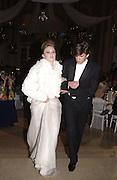 Florence Brudenell Bruce and her escort Charles de la Ferriere. . Crillon Debutantes Ball 2002. Paris. 7 December 2002. © Copyright Photograph by Dafydd Jones 66 Stockwell Park Rd. London SW9 0DA Tel 020 7733 0108 www.dafjones.com