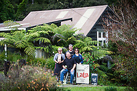 coffee lala award winning coffee roasted on the beautiful coromandel peninsula photography by felicity jean photography coromandel photographer photos in kuaotunu