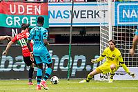 NIJMEGEN- 07-05-2017, NEC - AZ,  Stadion De Goffert, NEC Nijmegen speler Julian von Haacke scoort hier de 1-0, doelpunt, AZ keeper Tim Krul.