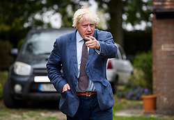 © Licensed to London News Pictures. 17/09/2018. Thame, UK. BORIS JOHNSON is seen leaving his Oxfordshire home on September 17, 2018. The former Foreign Secretary has continued his criticism of British Prime Minister Theresa May's Brexit plans. Photo credit: Ben Cawthra/LNP