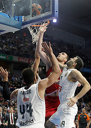 28.01.2016, Palacio de los Deportes, Madrid, ESP, FIBA, EL, Real Madrid vs Olympiacos PiraeusPlayoff, 5. Spiel, im Bild Real Madrid's Jeffery Taylor (l) and Felipe Reyes (r) and Olympimpiacos Piraeus' Nikola Milutinov // during the 5th Playoff match of the Turkish Airlines Basketball Euroleague between Real Madrid and Olympiacos Piraeus at the Palacio de los Deportes in Madrid, Spain on 2016/01/28. EXPA Pictures © 2016, PhotoCredit: EXPA/ Alterphotos/ Acero<br /> <br /> *****ATTENTION - OUT of ESP, SUI*****