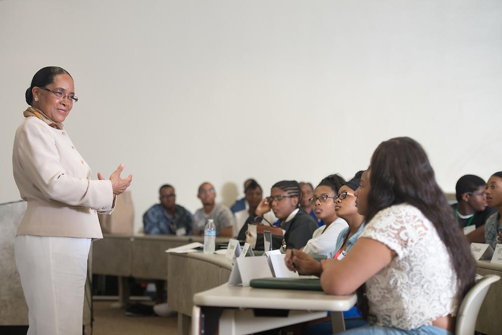 Junior Executive Business Program College of Business*, Junior Executive Business Program* Deborah McDavis First Lady