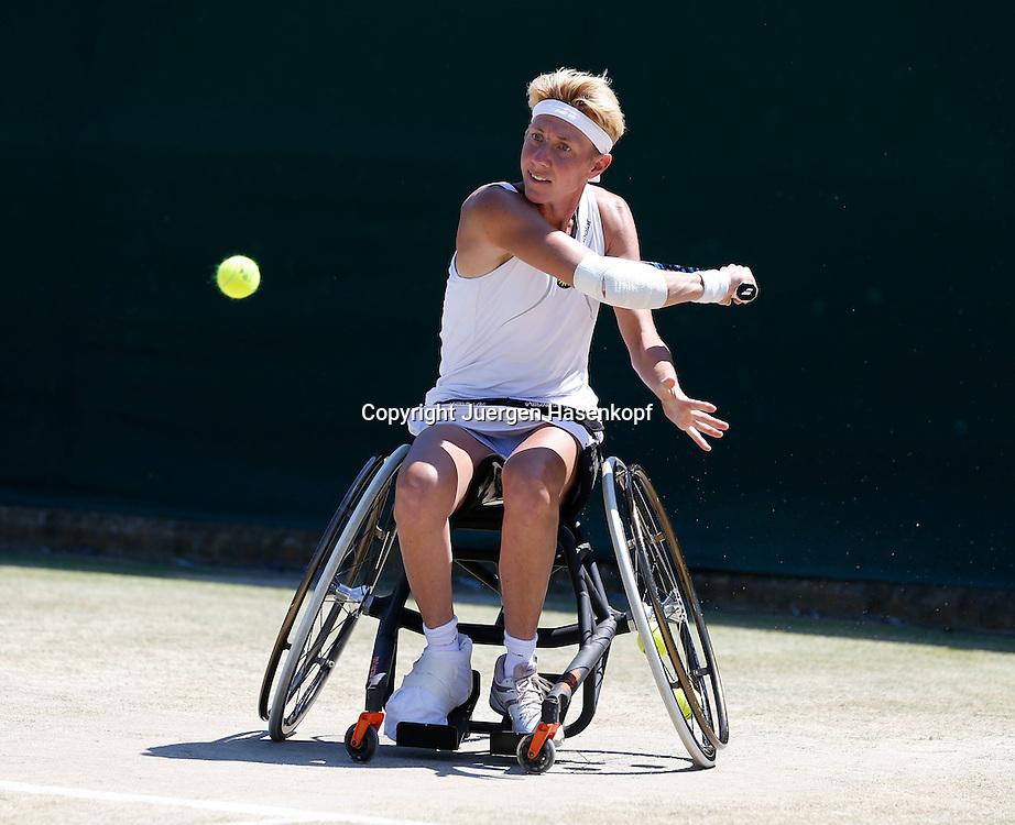 Wimbledon Championships 2014, AELTC,London,<br /> ITF Grand Slam Tennis Tournament,<br /> Rollstuhl Doppel Wettbewerb,<br /> Sabine Ellerbrock (GER), Aktion,Einzelbild,<br /> Ganzkoerper,Querformat,