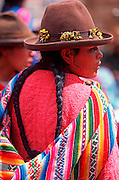 PERU, HIGHLANDS, MARKETS Pisac Sunday Market, Quechua woman