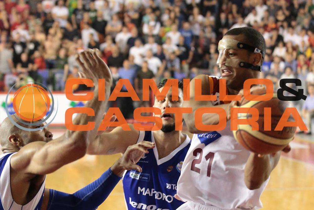 DESCRIZIONE : Roma Lega A 2012-2013 Acea Roma Lenovo Cantu playoff semifinale gara 7<br /> GIOCATORE : Taylor Jordan<br /> CATEGORIA : passaggio<br /> SQUADRA : Acea Roma<br /> EVENTO : Campionato Lega A 2012-2013 playoff semifinale gara 7<br /> GARA : Acea Roma Lenovo Cantu<br /> DATA : 06/06/2013<br /> SPORT : Pallacanestro <br /> AUTORE : Agenzia Ciamillo-Castoria/M.Simoni<br /> Galleria : Lega Basket A 2012-2013  <br /> Fotonotizia : Roma Lega A 2012-2013 Acea Roma Lenovo Cantu playoff semifinale gara 7<br /> Predefinita :