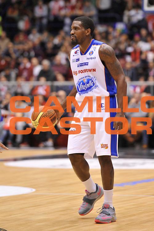 DESCRIZIONE : Campionato 2014/15 Olimpia EA7 Emporio Armani Milano - Acqua Vitasnella Cantu'<br /> GIOCATORE : Darius Johnson-Odom<br /> CATEGORIA : Palleggio<br /> SQUADRA : Acqua Vitasnella Cantu'<br /> EVENTO : LegaBasket Serie A Beko 2014/2015<br /> GARA : Olimpia EA7 Emporio Armani Milano - Acqua Vitasnella Cantu'<br /> DATA : 16/11/2014<br /> SPORT : Pallacanestro <br /> AUTORE : Agenzia Ciamillo-Castoria / Luigi Canu<br /> Galleria : LegaBasket Serie A Beko 2014/2015<br /> Fotonotizia : Campionato 2014/15 Olimpia EA7 Emporio Armani Milano - Acqua Vitasnella Cantu'<br /> Predefinita :