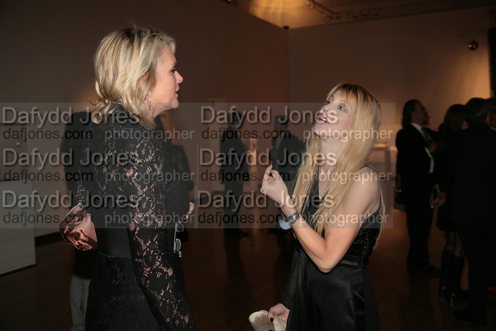 Louise Fennell and Courtney Love, ' Show Off' Theo Fennell exhibition co-hosted wit Vanity Fair. Royal Academy. Burlington Gdns. London. 27 September 2007. -DO NOT ARCHIVE-© Copyright Photograph by Dafydd Jones. 248 Clapham Rd. London SW9 0PZ. Tel 0207 820 0771. www.dafjones.com.