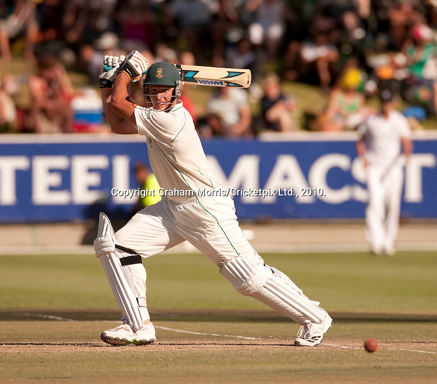 Graeme Smith heads towards his century during the third Test Match between South Africa and England at Newlands, Cape Town. Photograph © Graham Morris/cricketpix.com (Tel: +44 (0)20 8969 4192; Email: sales@cricketpix.com)