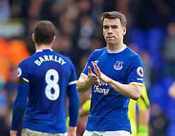 LONDON, ENGLAND - Sunday, March 5, 2017: Everton's Seamus Coleman applauds the supporters after the 3-2 defeat to Tottenham Hotspur during the FA Premier League match at White Hart Lane. (Pic by David Rawcliffe/Propaganda)