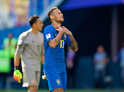 SAINT PETERSBURG, RUSSIA - Friday, June 22, 2018: Brazil's Neymar da Silva Santos Júnior looks dejected after missing a chance during the FIFA World Cup Russia 2018 Group E match between Brazil and Costa Rica at the Saint Petersburg Stadium. (Pic by David Rawcliffe/Propaganda)