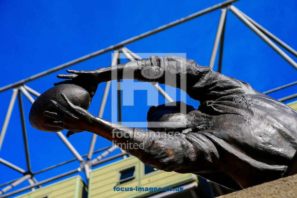Rugby player statue pictured before the final of the 2015 Rugby World Cup at Twickenham Stadium, Twickenham<br /> Picture by Andy Kearns/Focus Images Ltd 0781 864 4264<br /> 31/10/2015
