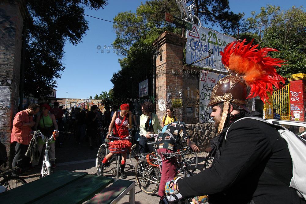 Critical Mass Nazionale, partenza dal centro sociale Ex Snia Viscosa su via Prenestina.