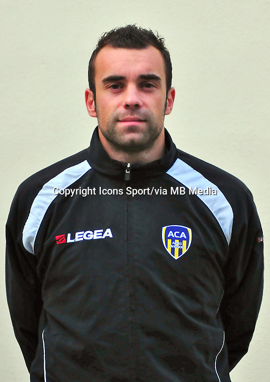 Sebastien CANTINI - 22.11.2013 - Photo officielle Arles Avignon - Ligue 2<br /> Photo : Icon Sport