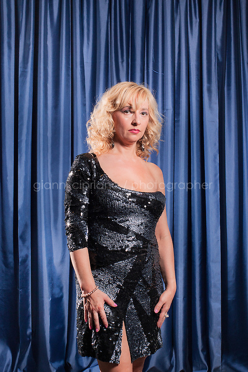 PESARO, ITALIA - 1 ottobre 2011: Romana, 53, participates at Miss Over, a beauty pageant for women over 30, 40, 50 and 60 years old in Pesaro, Italy.