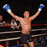 Freefightgala 2004 Hilversum, J.Jacobs (zwart\grijze broek) - Karel Stuivenberg, winnaar