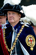 "Koning Willem Alexander wordt door Hare Majesteit Koningin Elizabeth II geïnstalleerd in de 'Most Noble Order of the Garter'. Tijdens een jaarlijkse ceremonie in St. Georgekapel, Windsor Castle, wordt hij geïnstalleerd als 'Supernumerary Knight of the Garter'.<br /> <br /> King Willem Alexander is installed by Her Majesty Queen Elizabeth II in the ""Most Noble Order of the Garter"". During an annual ceremony in St. George's Chapel, Windsor Castle, he is installed as ""Supernumerary Knight of the Garter"".<br /> <br /> Op de foto / On the photo:  Koning Willem Alexander / King Willem Alexander"