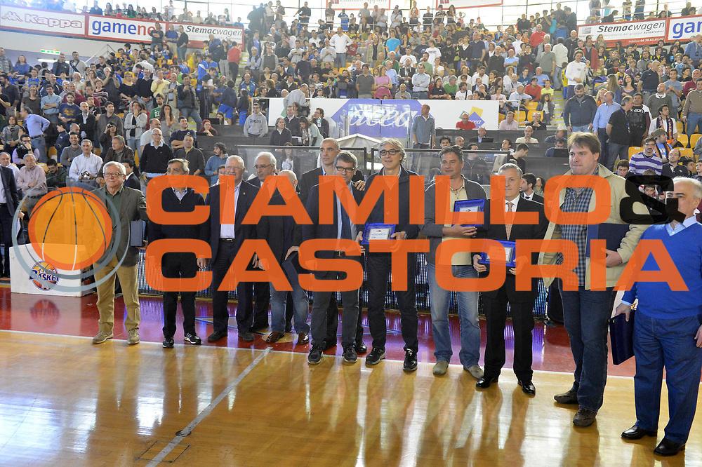 DESCRIZIONE : Roma Lega A 2012-2013 Acea Roma Enel Brindisi<br /> GIOCATORE : Premiazione Team Banco Roma 1983<br /> CATEGORIA : ritratto premiazione Banco Roma 1983<br /> SQUADRA : Acea Virtus Roma<br /> EVENTO : Campionato Lega A 2012-2013 <br /> GARA : Acea Roma Enel Brindisi<br /> DATA : 21/04/2013<br /> SPORT : Pallacanestro <br /> AUTORE : Agenzia Ciamillo-Castoria/GiulioCiamillo<br /> Galleria : Lega Basket A 2012-2013  <br /> Fotonotizia : Roma Lega A 2012-2013 Acea Roma Enel Brindisi<br /> Predefinita :