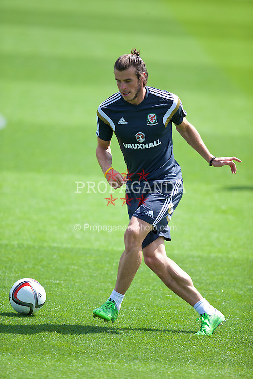 CARDIFF, WALES - Tuesday, June 9, 2015: Wales' Gareth Bale during a training session at the Vale of Glamorgan ahead of the UEFA Euro 2016 Qualifying Round Group B match against Belgium. (Pic by David Rawcliffe/Propaganda)