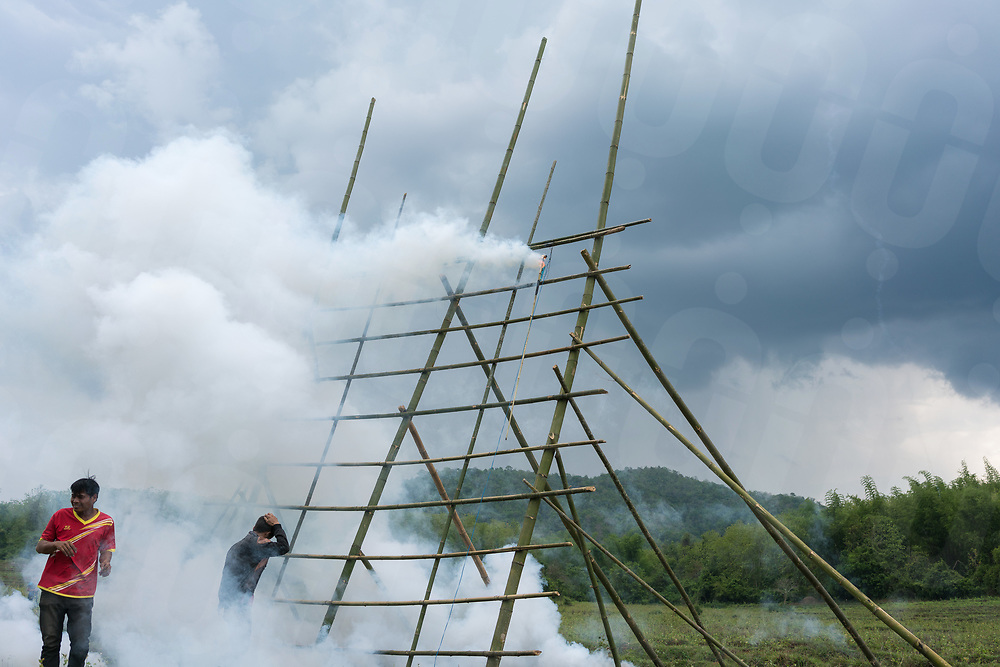 May 10, 2017 - Muang Nan (Laos). A rocket fails to deploy from the bamboo scaffolding built as a launcher. © Thomas Cristofoletti / Ruom