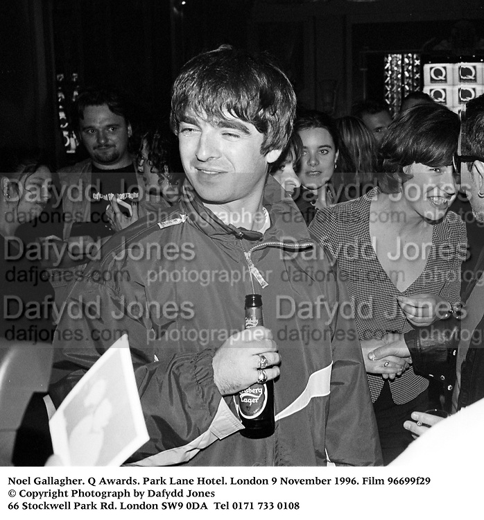 Noel Gallagher. Q Awards. Park Lane Hotel. London 9 November 1996. Film 96699f29<br /> &copy; Copyright Photograph by Dafydd Jones<br /> 66 Stockwell Park Rd. London SW9 0DA<br /> Tel 0171 733 0108