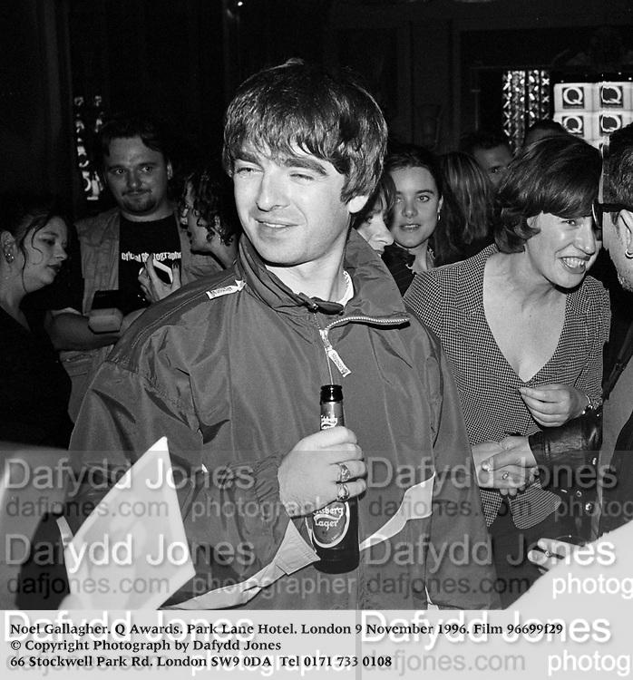 Noel Gallagher. Q Awards. Park Lane Hotel. London 9 November 1996. Film 96699f29<br /> © Copyright Photograph by Dafydd Jones<br /> 66 Stockwell Park Rd. London SW9 0DA<br /> Tel 0171 733 0108