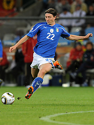 14.06.2010, Cape Town Stadium, Kapstadt, RSA, FIFA WM 2010, Italien vs Paraguay im Bild Riccardo Montolivo (Italia)., EXPA Pictures © 2010, PhotoCredit: EXPA/ InsideFoto/ G. Perottino, ATTENTION! FOR AUSTRIA AND SLOVENIA ONLY!!! / SPORTIDA PHOTO AGENCY