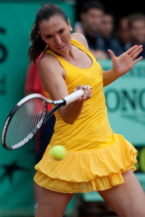 Roland Garros. Paris, France. 27 Mai 2010..La joueuse serbe Jelena JANKOVIC contre Kaia KANEPI..Roland Garros. Paris, France. May 27th 2010..Serbian player Jelena JANKOVIC against Kaia KANEPI.
