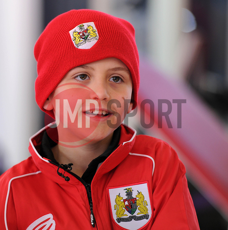 Connor - Photo mandatory by-line: Dougie Allward/JMP - Mobile: 07966 386802 - 01/04/2015 - SPORT - Football - Bristol - Bristol City Training Ground - HR Owen and SAM FM