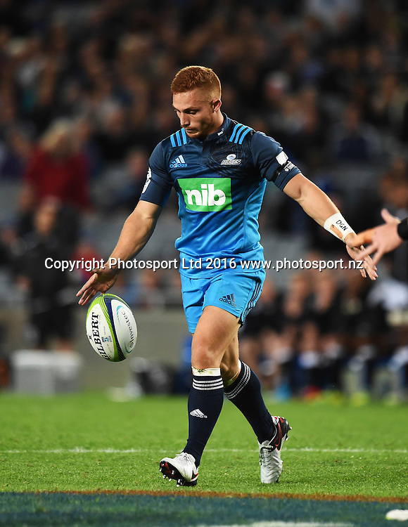 Ihaia West. Blues v Sharks Super Rugby match at Eden Park in Auckland, New Zealand. Saturday 16 April 2016. Copyright Photo: Andrew Cornaga / www.Photosport.nz