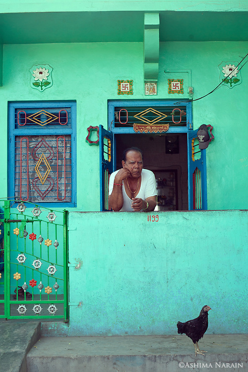 Bhimji Pooja lives beside the Karwa Masjid in Diu. He has lived here for 30 years. The Masjid is believed to have been built by Arabs about 1200 years ago.