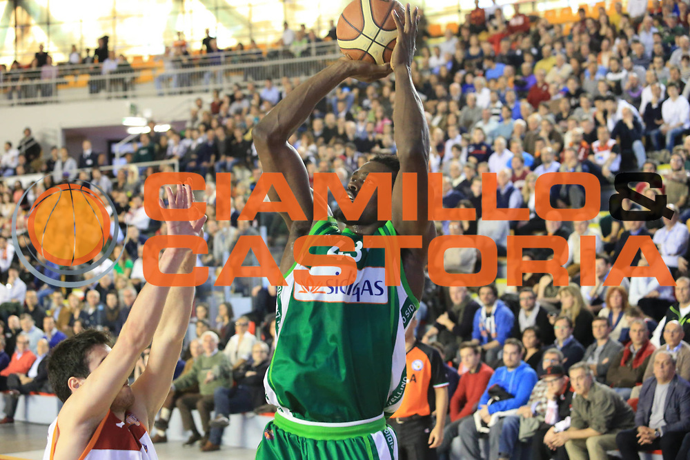 DESCRIZIONE : Roma Lega A 2012-2013 Acea Roma Sidigas Avellino<br /> GIOCATORE : Johnson Linton <br /> CATEGORIA : tiro<br /> SQUADRA : Sidigas Avellino<br /> EVENTO : Campionato Lega A 2012-2013 <br /> GARA : Acea Roma Sidigas Avellino<br /> DATA : 07/04/2013<br /> SPORT : Pallacanestro <br /> AUTORE : Agenzia Ciamillo-Castoria/M.Simoni<br /> Galleria : Lega Basket A 2012-2013  <br /> Fotonotizia : Roma Lega A 2012-2013 Acea Roma Sidigas Avellino<br /> Predefinita :