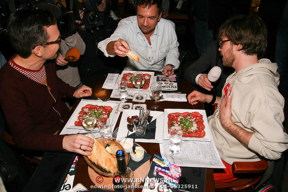 3FM Serious Request 2012 in Enschede van start! Gerard Ekdom, Giel Beelen krijgen laatste keer eten