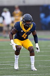 BERKELEY, CA - SEPTEMBER 12:  Safety Derron Brown #4 of the California Golden Bears lines up for a play against the San Diego State Aztecs during the fourth quarter at California Memorial Stadium on September 12, 2015 in Berkeley, California. The California Golden Bears defeated the San Diego State Aztecs 35-7. (Photo by Jason O. Watson/Getty Images) *** Local Caption *** Derron Brown