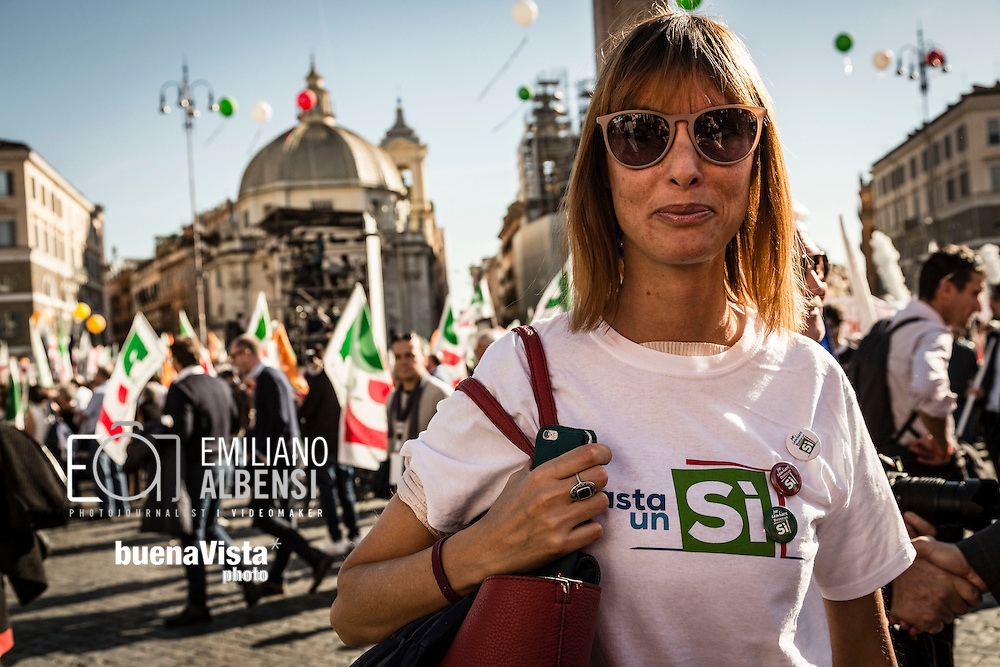 Emiliano Albensi<br /> 29/10/2016 Roma (Italia)<br /> Manifestazione PD Basta un S&igrave;<br /> Nella foto: alcuni momenti della manifestazione &quot;Basta un s&igrave;&quot; a piazza del Popolo<br /> <br /> Emiliano Albensi<br /> 29/10/2016 Rome (Italy)<br /> Democratic Party demonstration in support of the Constitutional Reform referendum<br /> In the picture: moments of the demonstration &quot;Basta un s&igrave;&quot; (Just a Yes) in People's Square
