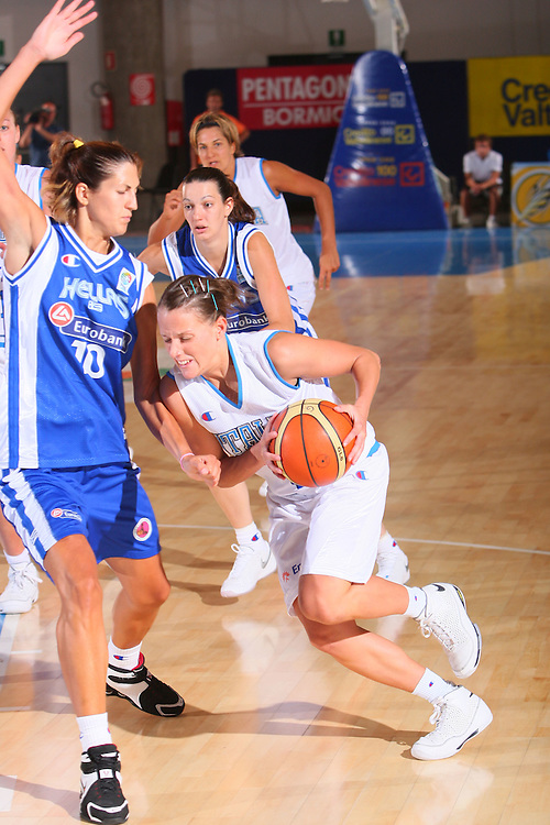 DESCRIZIONE : Bormio Torneo Internazionale Femminile Olga De Marzi Gola Italia Grecia <br /> GIOCATORE : Chiara Pastore <br /> SQUADRA : Nazionale Italia Donne Italy <br /> EVENTO : Torneo Internazionale Femminile Olga De Marzi Gola <br /> GARA : Italia Grecia Italy Greece <br /> DATA : 24/07/2008 <br /> CATEGORIA : Penetrazione <br /> SPORT : Pallacanestro <br /> AUTORE : Agenzia Ciamillo-Castoria/S.Silvestri <br /> Galleria : Fip Nazionali 2008 <br /> Fotonotizia : Bormio Torneo Internazionale Femminile Olga De Marzi Gola Italia Grecia <br /> Predefinita :