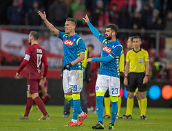 14.03.2019, Red Bull Arena, Salzburg, AUT, UEFA EL, FC Red Bull Salzburg vs SSC Napoli, Achtelfinale, Rückspiel, im Bild Arkadiusz Milik (SSC Napoli), Elseid Hysaj (SSC Napoli) nach dem Spiel // during the UEFA Europa League round of 16, 2nd leg match between FC Red Bull Salzburg and SSC Napoli at the Red Bull Arena in Salzburg, Austria on 2019/03/14. EXPA Pictures © 2019, PhotoCredit: EXPA/ Johann Groder
