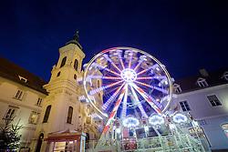 THEMENBILD -Ein Riesenrad am Christkindlmarkt am Mariahilfer Platz am 24. November 2017 in Graz // THEMES PICTURE - A giant wheel in front of the Mariahilf church at the christmas market at the 'Mariahilfer Platz' on 24 November 2017 in Graz, Austria. EXPA Pictures © 2017, PhotoCredit: EXPA/ Erwin Scheriau