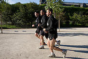 Paris, France. 2 Mai 2009..Brigade Fluviale de Paris..8h48 Footing au jardin des plantes...Paris, France. May 2nd 2009..Paris fluvial squad..8:48 am Jogging in the Jardin des Plantes..