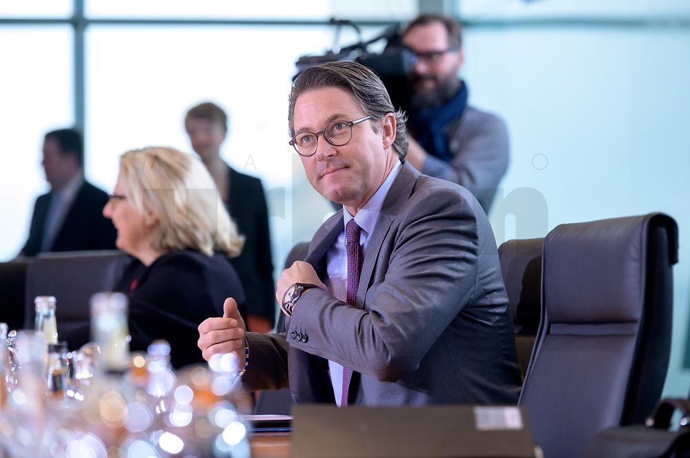 06 NOV 2019, BERLIN/GERMANY:<br /> Andreas Scheuer, CSU, Bundesverkehrsminister, vor Beginn der Kabinettsitzung, Bundeskanzleramt<br /> IMAGE: 20191106-01-007<br /> KEYWORDS: Kabinett, Sitzung