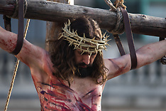 2016-03-25 The Passion of Jesus plays out in Trafalgar Square