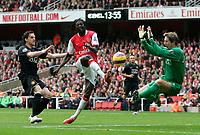 Photo: Tom Dulat/Sportsbeat Images.<br /> <br /> Arsenal v Manchester United. The FA Barclays Premiership. 03/11/2007.<br /> <br /> Emmanuel Adebayor of Arsenal misses shot on target. Goalkeeper of Manchester United Edwin Van Der Sar saves the ball.