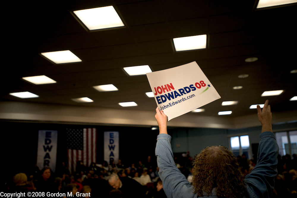 Lebanon, NH - 1/5/08 - A supporter of Presidential Candidate Senator John Edwards at a campaign event at Lebanon High School in Lebanon, NH January 5, 2008.      (Photo by Gordon M. Grant / Zuma Press)