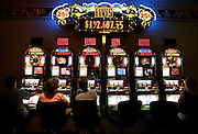 US-LAS VEGAS: Gamblers at the Luxor hotel/casino.ANP FOTO/COPYRIGHT GERRIT DE HEUS