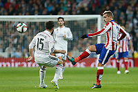Real Madrid´s Daniel Carvajal (L) and Atletico de Madrid´s Griezmann during Spanish King´s Cup match at Santiago Bernabeu stadium in Madrid, Spain. January 15, 2015. (ALTERPHOTOS/Victor Blanco)