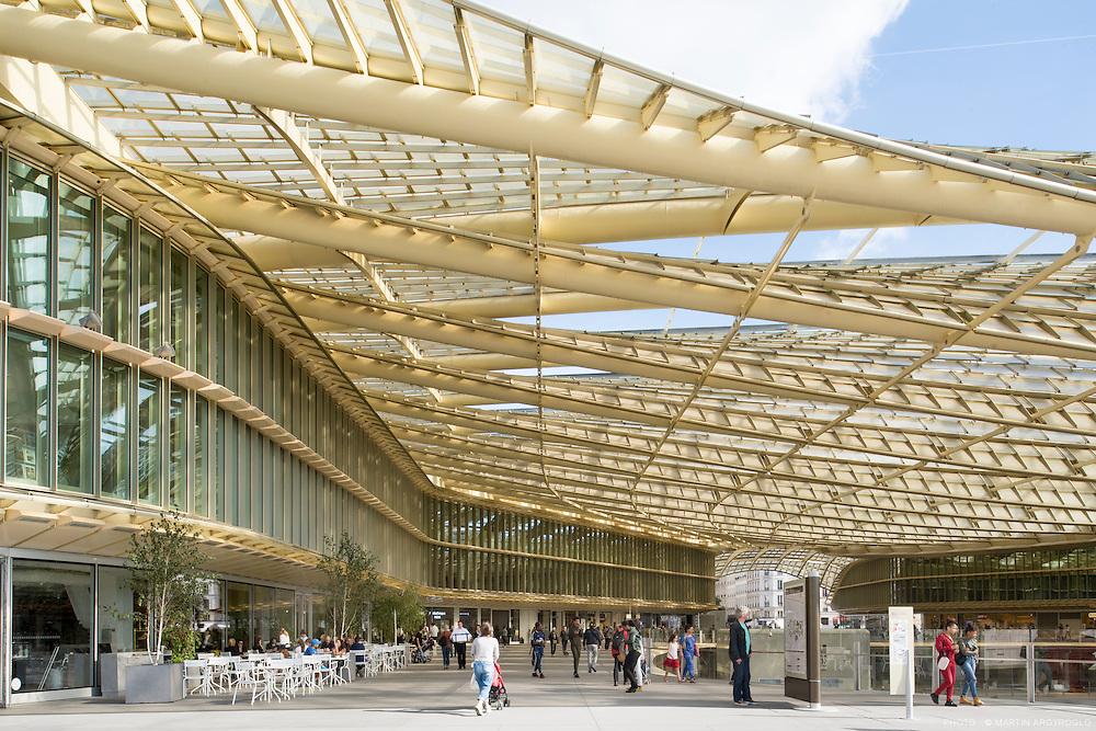 Passage de la Canopée, nouveau Forum des Halles, Paris, 2016