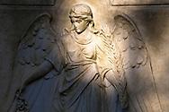 Europa, Deutschland, Koeln, Grabstein mit Engel auf dem Melatenfriedhof.<br /><br />Europe, Germany, Cologne, gravestone with an angel at the Melaten cemetery.