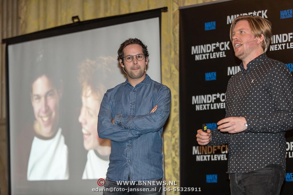 NLD/Amsterdam/20191125 - Boekpresentatie Victor Mids, Victor Mids en Oscar Verpoort