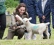 "KATE Middleton Feeds ""Stinky The Lamb"""