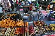 Hat Chaweng (beach). The market. Thai snacks.